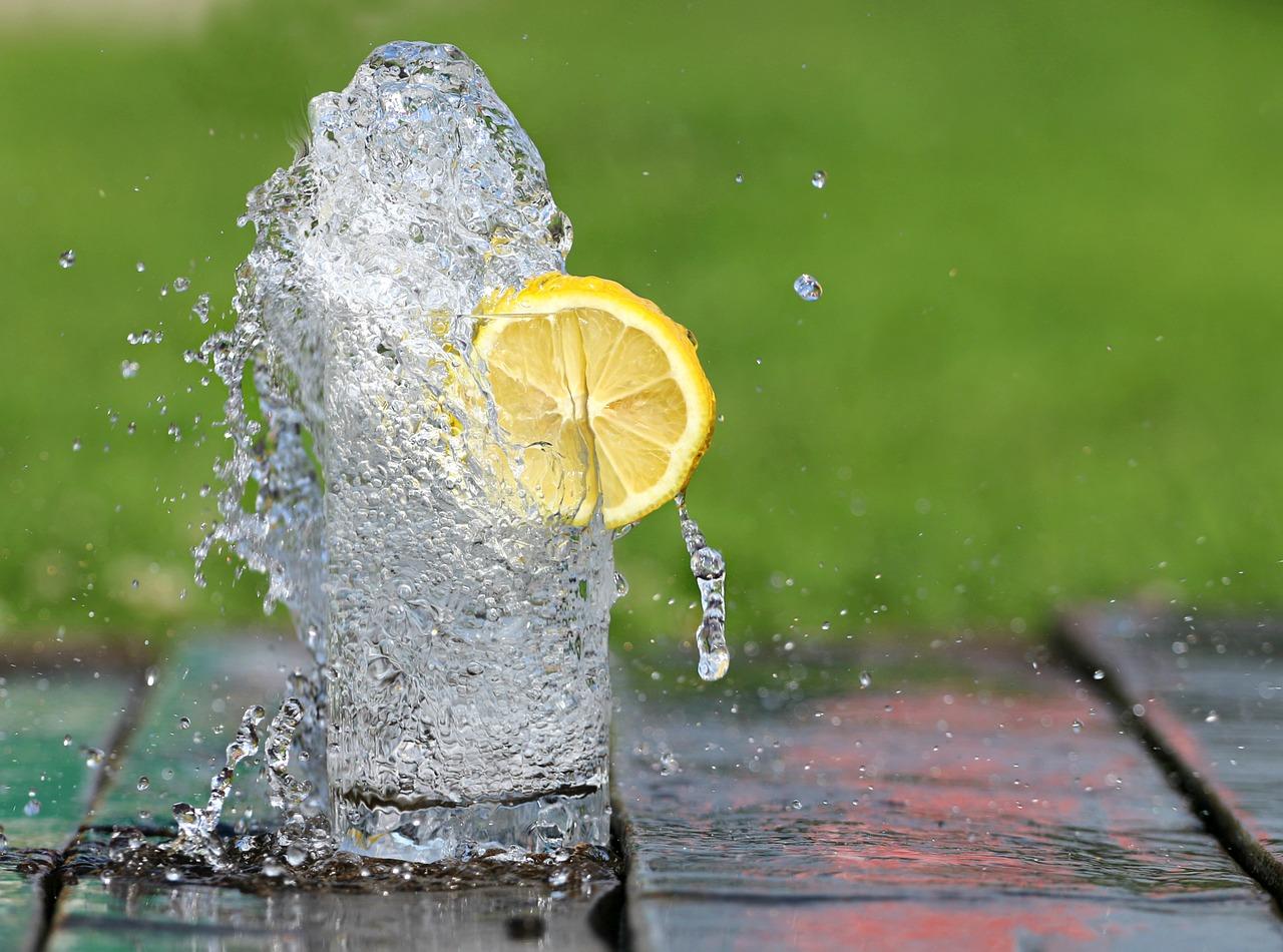 água com limão 2