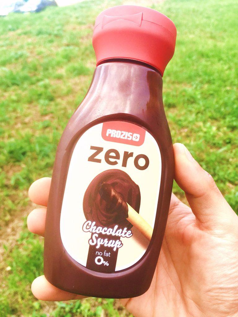 Panquecas de Chocolate e Morango Mistura Syrup Chocolate