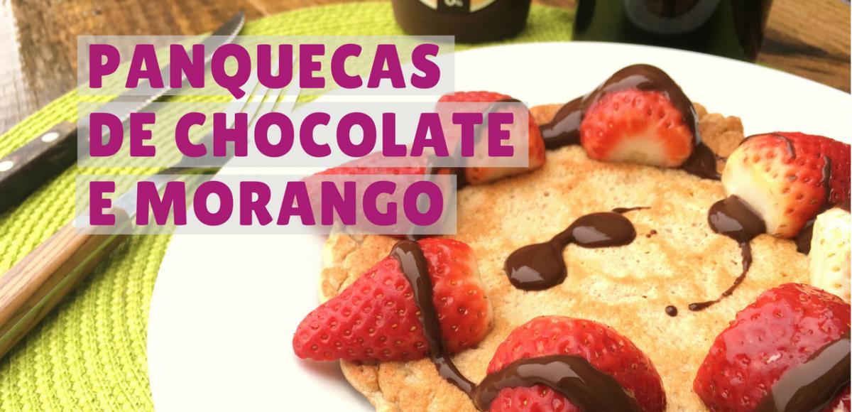 panquecas de chocolate e morango