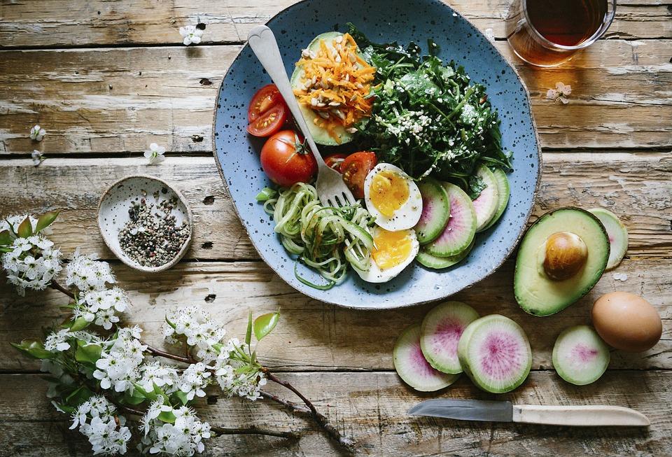 jantar sem hidratos - salada de abacate