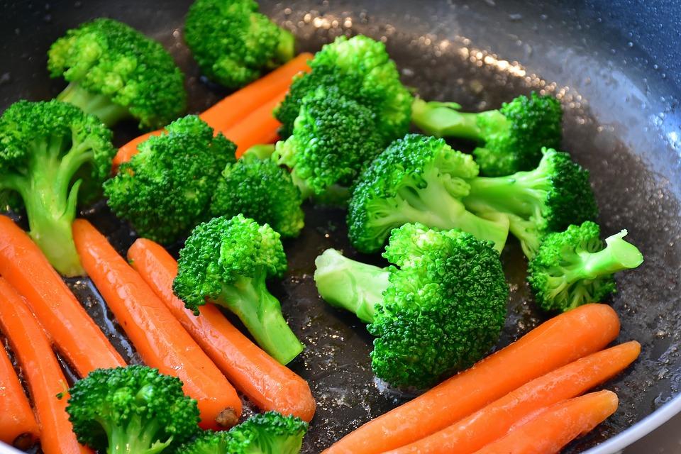o que comer à noite para ganhar massa muscular - brocolos