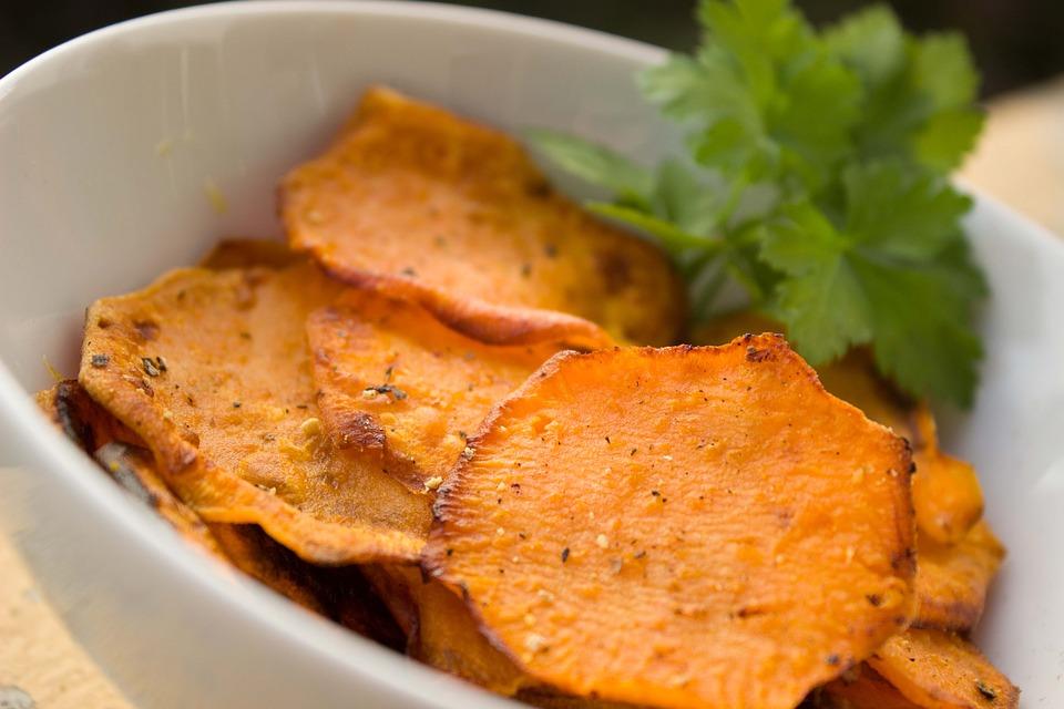 batata doce no microondas - chips