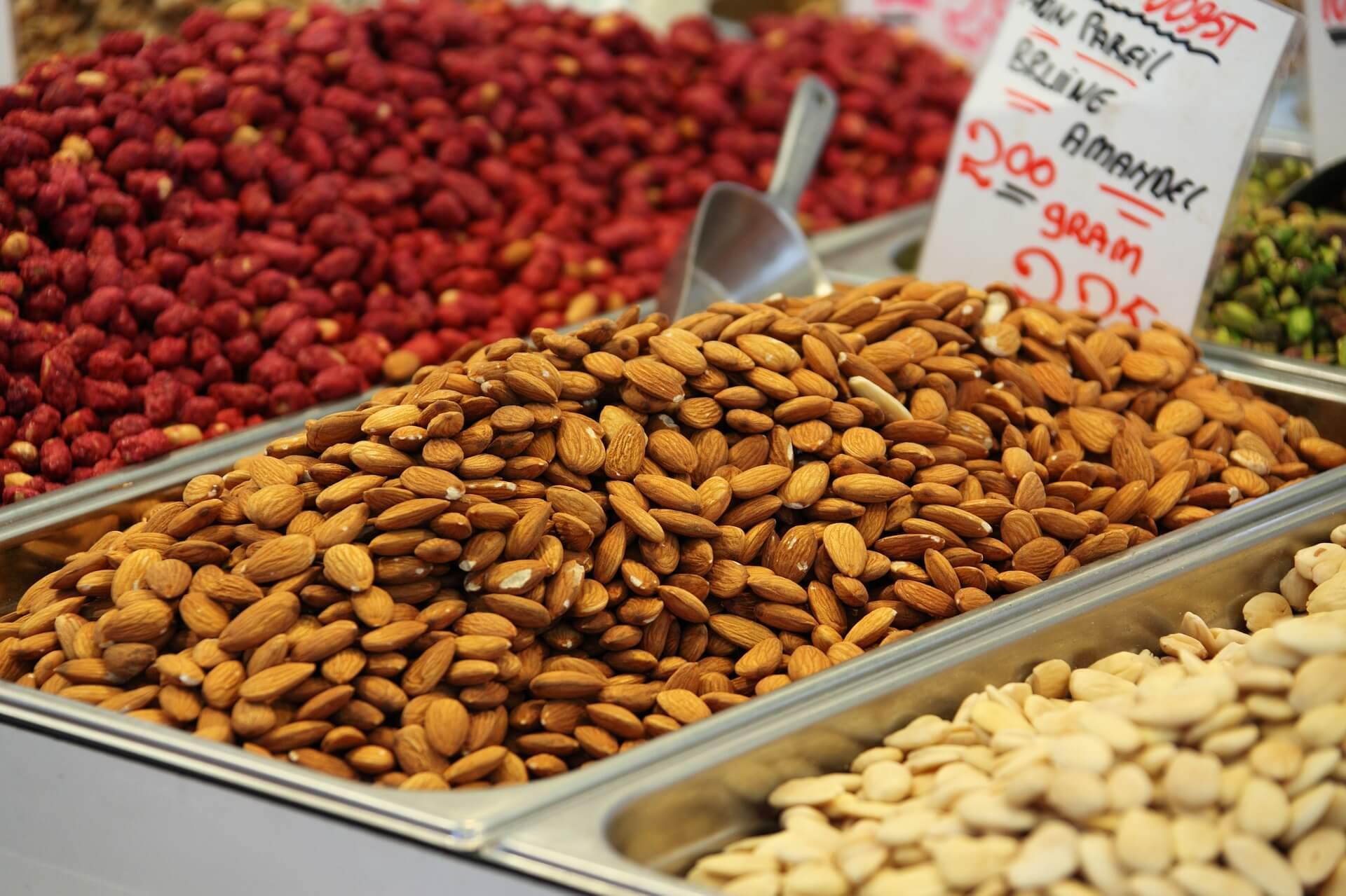 alimentos ricos em fibras - amendoas